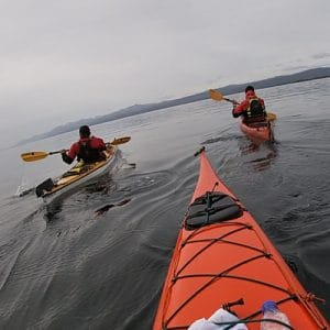 2-Escuela-kayak-ushuaia-cursos-adultos-kayaking-travesia-aventura-capacitacion-expertos-canotaje-profesor